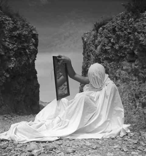 Mirrors (Herbert List)